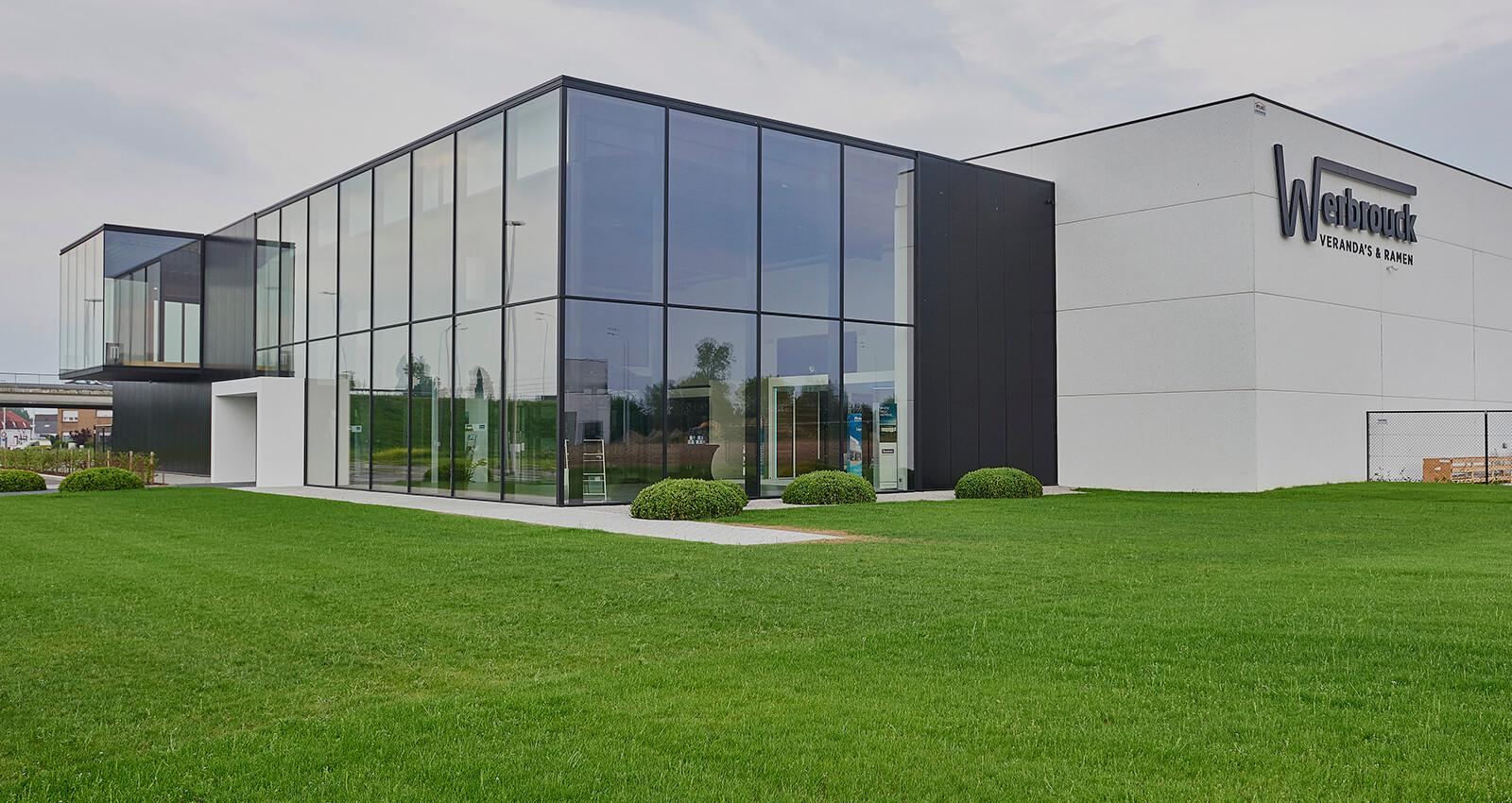 Espace de production avec salle d'exposition